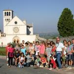 il gruppo davanti alla Basilica di San Francesco